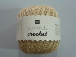 Coton Essentials Crochet N° 02 de RICO DESIGN coloris beige