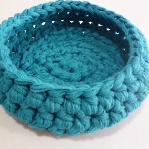 corbeille-vide-poche-au-crochet-turquoise