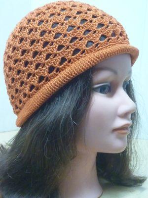 chapeau bord roulotté au crochet coloris cuivre
