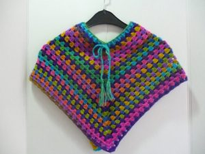 poncho au crochet en Polaris coloris multicolore