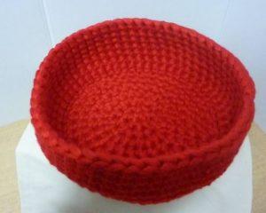 corbeille vide poche au crochet coloris rouge