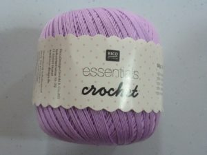 Coton Essentials Crochet N° 06 de RICO DESIGN coloris lilas