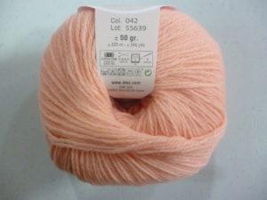 100% Baby N°42 de D.M.C coloris corail