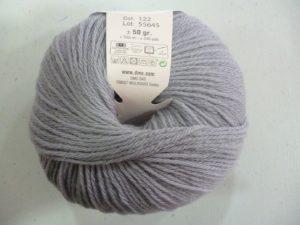 100% Baby N°122 de D.M.C coloris gris moyen