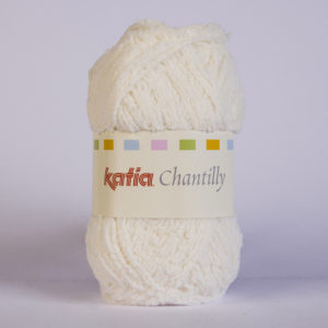 CHANTILLY N°03 de KATIA pelote de 50 g coloris Écru