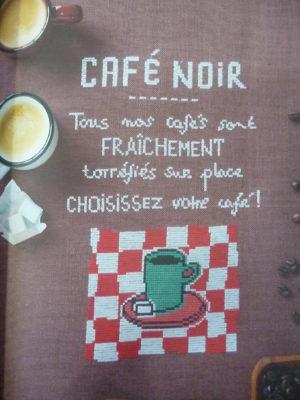 Livre «Paris en Couleurs» A Broder Au Point de Croix chez Mango