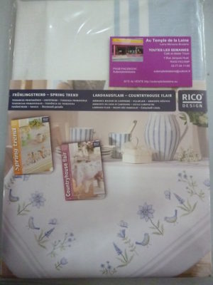 Broderie Point de Croix Nappe 90×90 de Rico Design