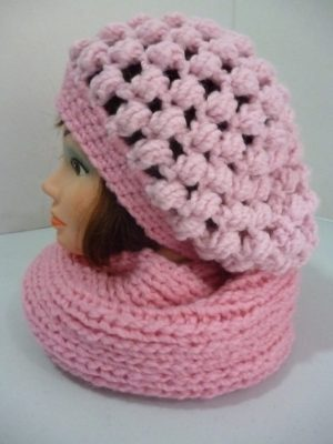 ensemble béret et snood en Astun coloris rose