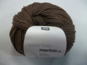 LOT de 20 Pelotes Essentials MERINO DK N°53 Coloris Marron