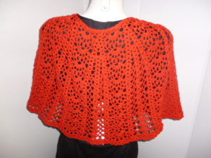 cape chauffe épaules en VICTOIRE de PLASSARD coloris rouge