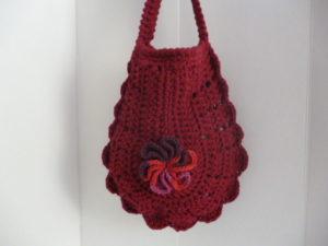sac au crochet coloris bordeaux