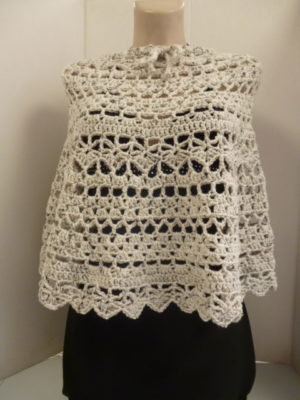 Poncho au crochet en Basic Super Big de Rico Design