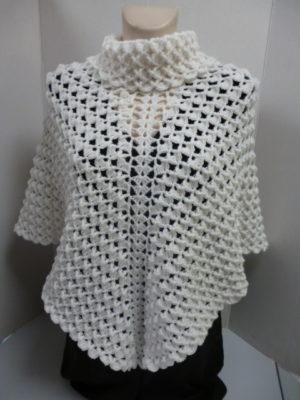 poncho en Gagnante de PLASSARD coloris blanc